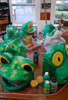 Painted_frog_heads
